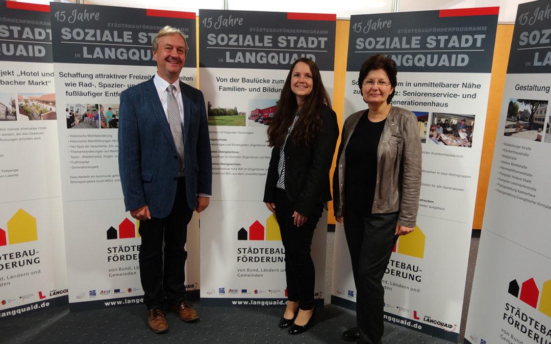 """Ausstellung 15 Jahre Städtebauförderprogramm """"Soziale Stadt"""" in Langquaid"""