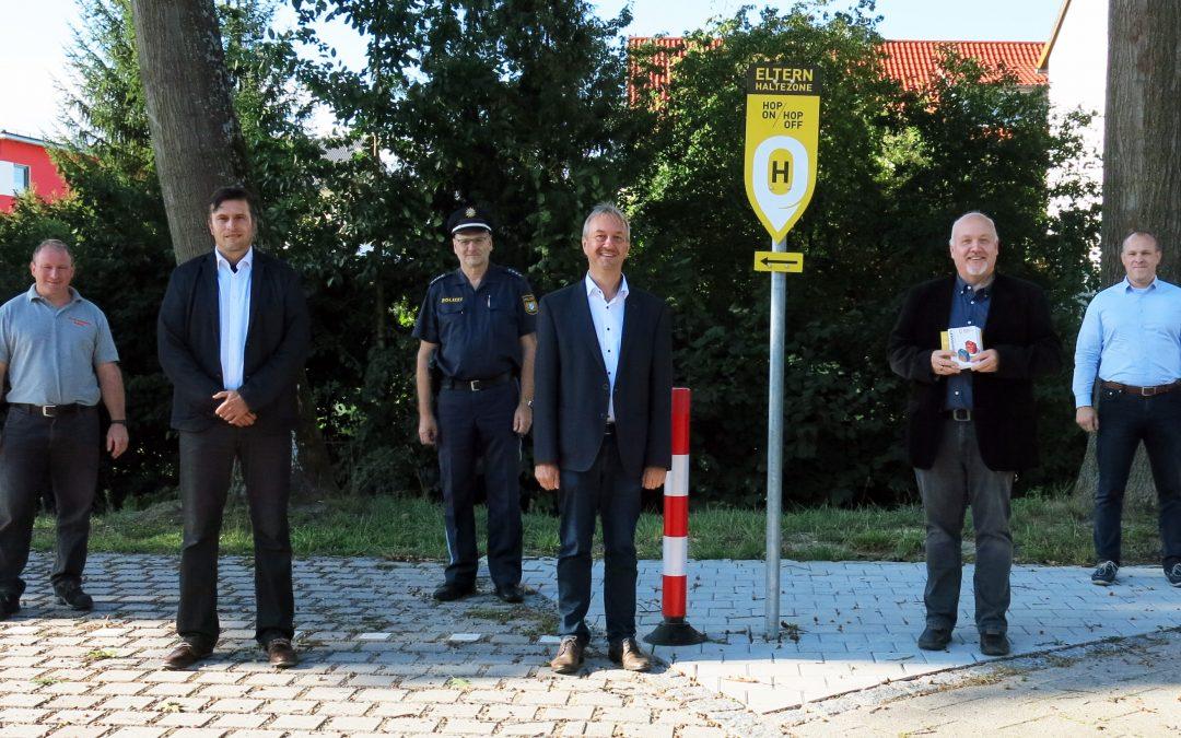 An der Franziska-Obermayr-Schule wurden Elternhaltestellen eingerichtet