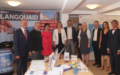 Langquaids Soziales Zentrum feierte gelungenen Geburtstag – Bayerns Sozialministerin Kerstin Schreyer gratulierte persönlich