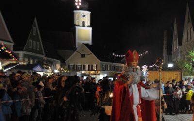 Langquaids Nikolausmarkt-Wochenende bezaubert mit buntem Markttreiben und außergewöhnlichem Rahmenprogramm