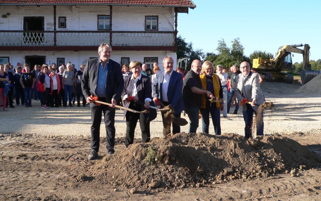 """Die Sanierung des """"Zachhofs"""" wird die Dorfmitte von Niederleierndorf aufwerten und stärken"""