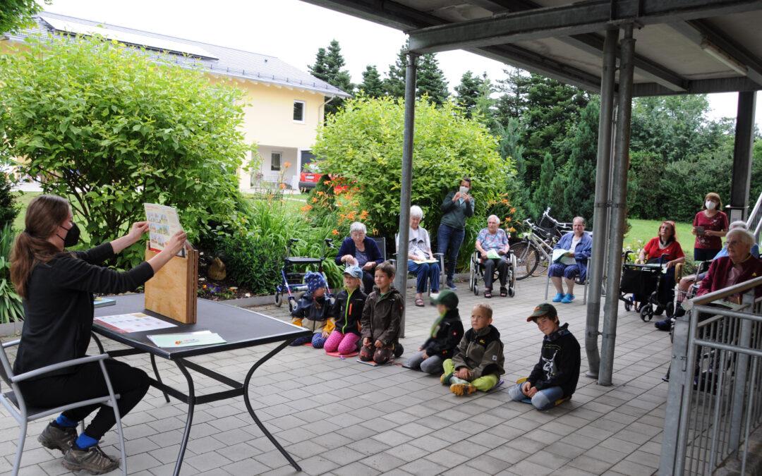 Waldkindergarten besucht Senioren