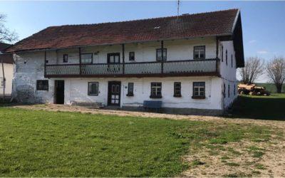 Neues Leben in leerstehenden Gebäuden: Dorferneuerungen in Niederleierndorf und Schneidhart